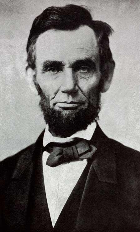 Portrait photo of President Abraham Lincoln