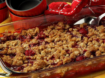 Red raspberry oat crumble