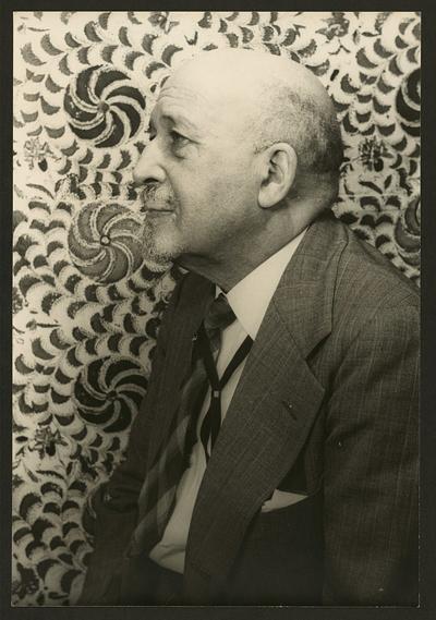 An older W.E.B. Du Bois sits for a portrait in 1946