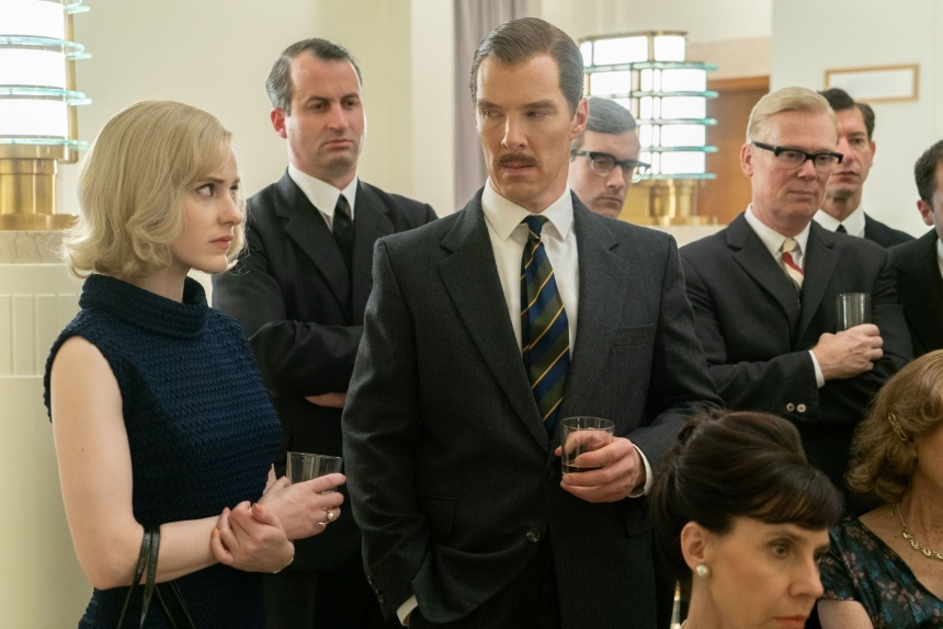 Rachel Brosnahan and Benedict Cumberbatch in a scene from The Courier