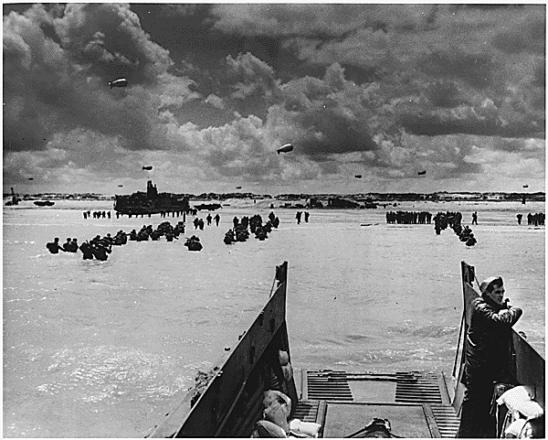 American forces landing at Normandy. June 6, 1944. <br /> Source: Franklin D. Roosevelt Library